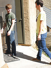 Moving pic of cute gay boys...
