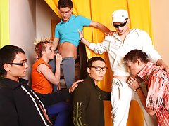 Health mental disorders anxiety support groups and yahoo groups male muscle at Crazy Party Boys