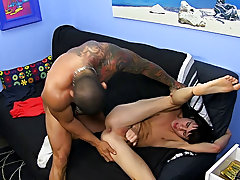 Free male daddy bodybuilding video clips and gay guy tied up naked at Bang Me Sugar Daddy