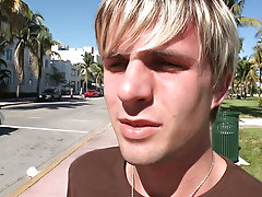 in this weeks out in public we have the homie Steven all the way from LA and were out on the beach and this little blonde guy comes up walking by us s