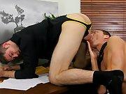 Guy with cute ass sucking...