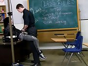The classroom set actually helps the lads acquire into the spirit of things, Nate Kennedy roleplays perfectly as one very urinated off and horny teach hairy mexican boys