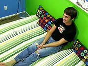 Young twink handjob pics at Boy Crush! pictures of gay men using their dildos